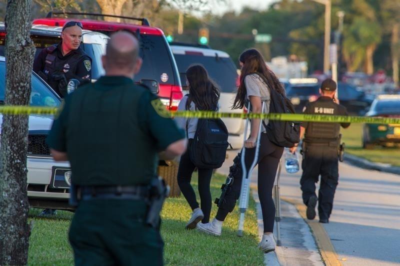 El tiroteo de Florida es una de las masacres escolares más mortales del mundo