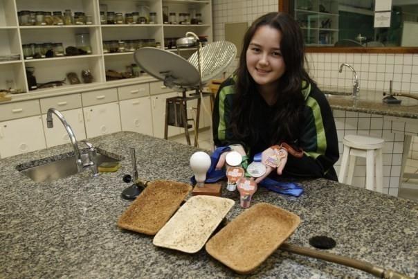 bandejas biodegradables - sayuri magnabosco y su invento