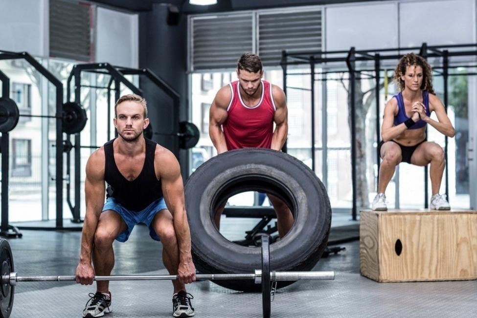 Ejercicios que no ayudan a bajar de peso: Crossfit