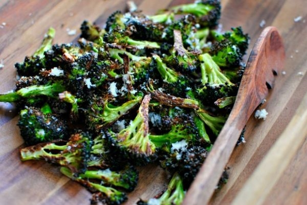 The-BEST-Roasted-Broccoli-www.SimplyScratch.com_-620x415